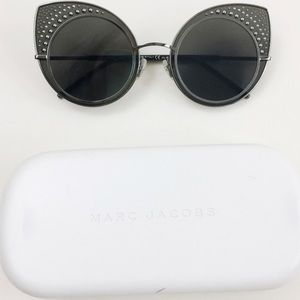 NWT MARC JACOBS CAT EYES SUNGLASSES WITH CASE
